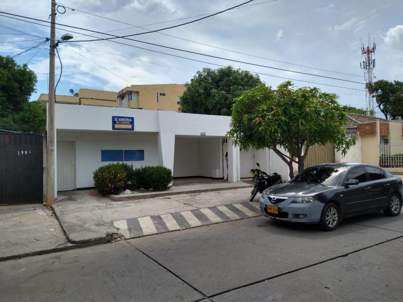 CASA-LOCAL en el barrio LA GRANJA