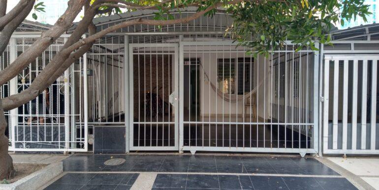 casa a la venta en urbanización colombia viva inmobiliaria 24